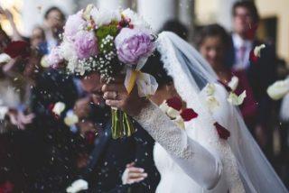 Juntos y confinados: la pandemia desploma las demandas de divorcio en España