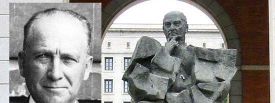 """Carlos Dávila: """"¿Por qué no se derriba la estatua de Largo Caballero?"""""""