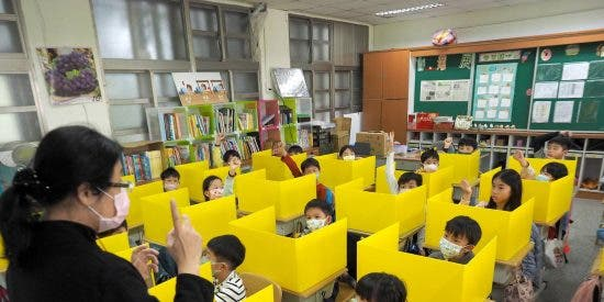 China condena a muerte a una maestra por matar a un niño poniendo veneno en su comida