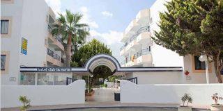 Hallan a un hombre muerto en un hotel de Ibiza, tenía síntomas leves de COVID-19