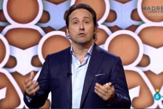 """Iker Jiménez vuelve a la carga contra Sánchez e Iglesias por repartir millones """"en chorradas"""" e ignorar a la hostelería y los autónomos"""