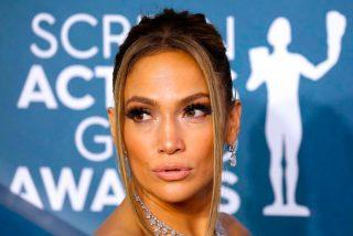 ¡Como una sirena!: Las sensuales fotos de Jennifer Lopez en la piscina