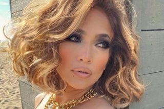 Jennifer Lopez rompe internet con su atrevida foto en traje de baño dentro de su habitación