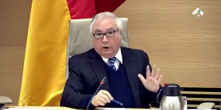 """El apocalíptico mensaje del 'desaparecido' ministro de Universidades: """"Este mundo se acaba"""""""