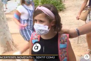La tremenda lección de una niña sobre el uso de las mascarillas en su primer día de cole