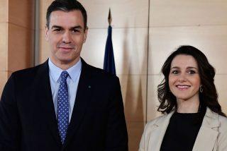 El entreguismo de Arrimadas a Sánchez vaticina un desplome electoral de Ciudadanos en Cataluña