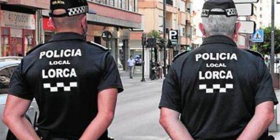 """La excusa de la joven que abandonó a su hija en un cajero de Lorca: """"Su padre no le daba ni 5 euros"""""""