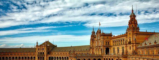 La Junta de Andalucía lanza un nuevo bono turístico para viajar por la Comunidad