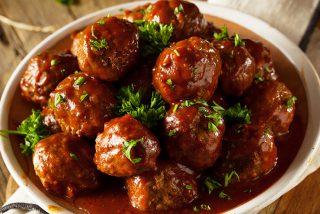 Albóndigas con salsa barbacoa y cerveza: ¡La receta más jugosa!