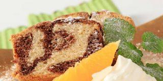 bizcocho marmolado de naranja y chocolate