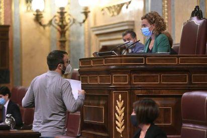 Apagan el micrófono a un diputado de la CUP por soltar barrabasadas contra Casa Real en el Congreso