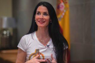"""Entrevista a la diputada Carla Toscano (VOX): """"Sánchez es capaz de pisar los cadáveres de compañeros suyos para seguir en el poder"""""""