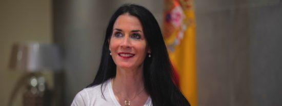 """Entrevista a Carla Toscano (VOX): """"Sánchez pisa los cadáveres de compañeros suyos para seguir en el poder"""""""