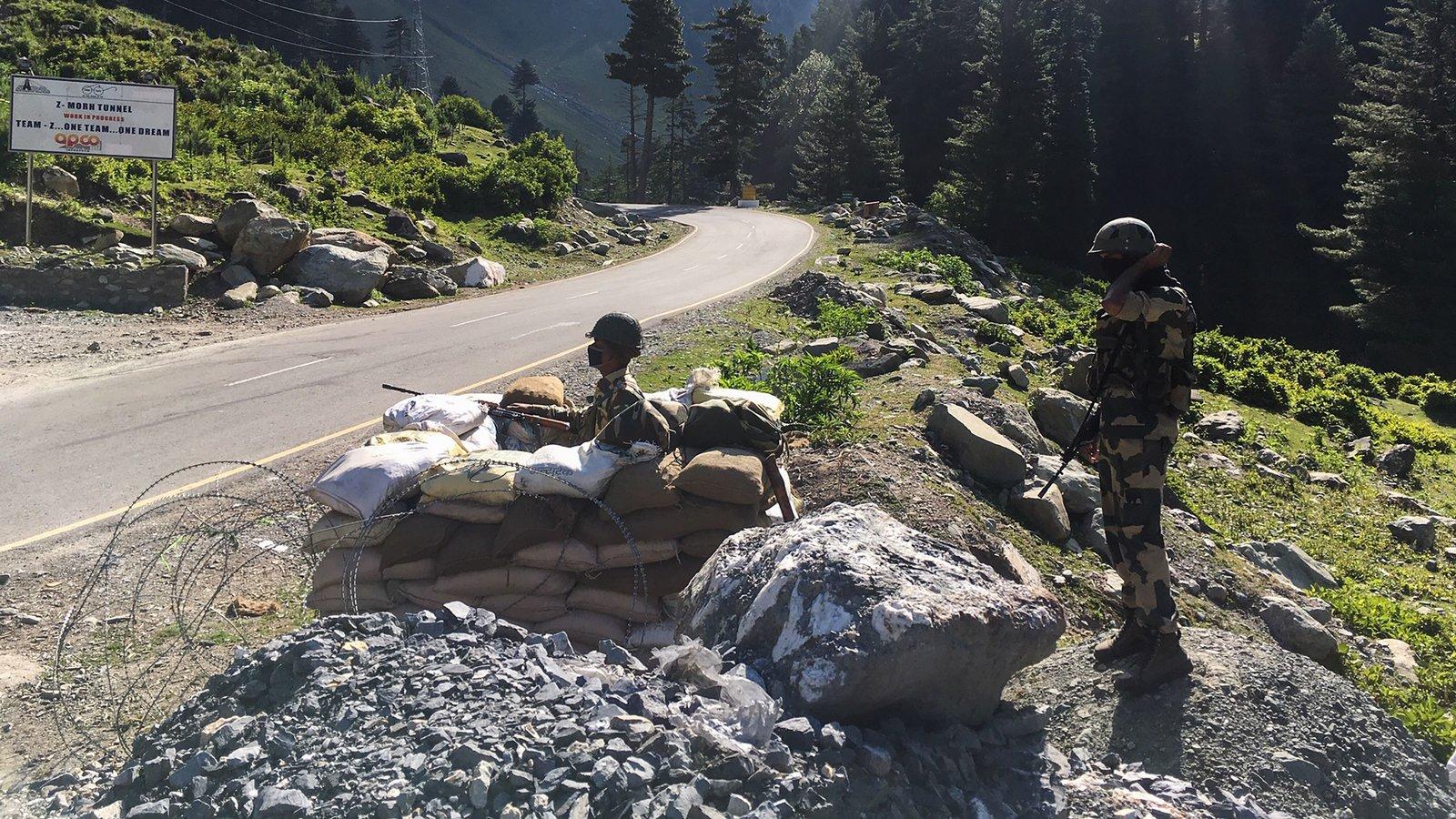 El primer enfrentamiento militar entre China e India en el Himalaya