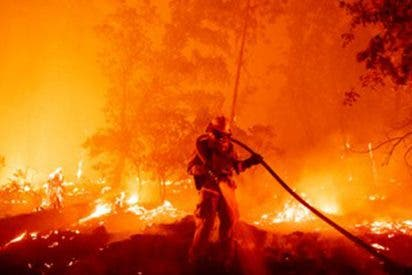 California es el infierno: incendio histórico y todo por una fiesta para decir el sexo de un bebé