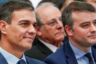 """El País cede una tribuna a Iván Redondo para mayor gloria de Pedro Sánchez: """"Llegó nuestro momento"""""""