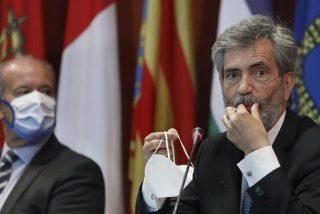 """Un micro abierto muestra el cabreo del ministro de Justicia por el """"¡viva el Rey!"""" de los jueces: """"Se han pasado"""""""