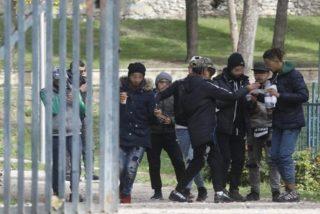 Dos 'menas' agreden a sus educadores y a policías en Casa de Campo