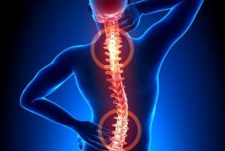¿Qué es la mielitis transversa? La enfermedad que ha paralizado la vacuna de Oxford contra la Covid-19