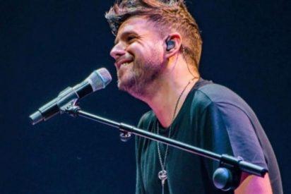 Pablo López abandona el escenario a lágrima viva tras un intento de agresión con una piedra en pleno concierto