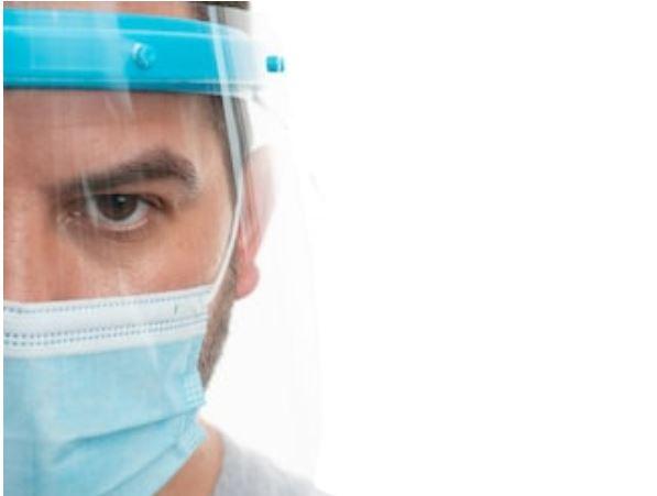 pantallas de protección facial con la mascarilla
