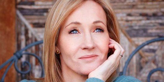 """J.K. Rowling busca las cosquillas a los activistas: el asesino travesti de su última novela hace que sea calificada como """"tránsfoba"""""""
