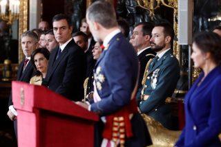 """Un general, ayudante del Rey, estalla y avisa: """"Sánchez e Iglesias nos llevarán a otra guerra civil"""""""