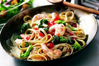Tallarines con gambas y vegetales: ¡receta al mejor estilo asiático!