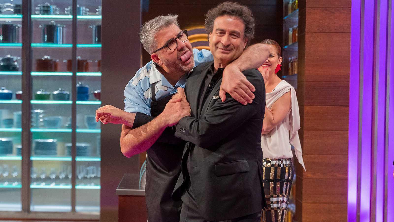Vergüenza absoluta: la TVE 'progre' nos cuela la homofobia más casposa en 'MasterChef Celebrity 5'
