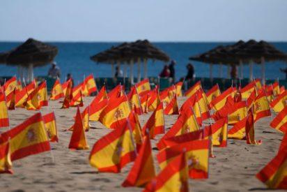 Sánchez ordena detener a quienes colocaron 53.000 banderas de España en una playa