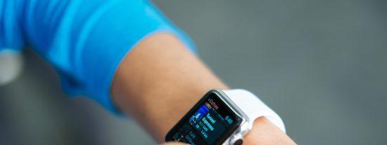 Un estudio afirma que los Apple Watch y Fitbit ayudan a detectar la Covid-19