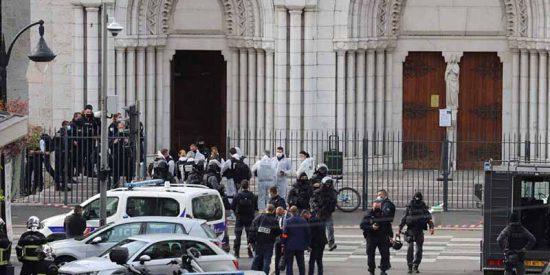 """Francia: Un musulmán asesina a tres personas en una iglesia al grito de """"Alá es grande"""""""