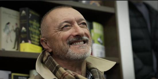 Pérez-Reverte advierte de que su última novela no gustará a la extrema izquierda