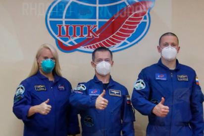 Envían a dos rusos y una estadounidense a la Estación Espacial Internacional