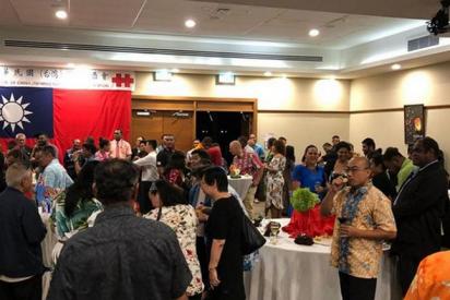 Funcionarios chinos se infiltran en una fiesta de diplomáticos de Taiwán y acaban a golpes