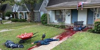 Halloween: La Policía irrumpe en la casa de este hombre por su terrorífica decoración