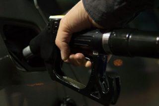 Cómo llenar el depósito gastando menos: las gasolineras más económicas de España