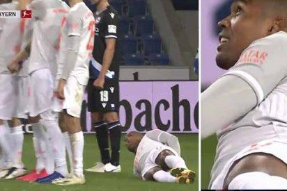 El Bayern Munich se suma a las burlas contra Douglas Costa por el lío que armó para hacer la barrera