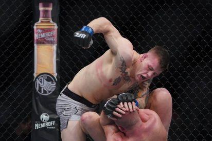 La tierna reacción del feroz luchador de la UFC tras noquear a su rival