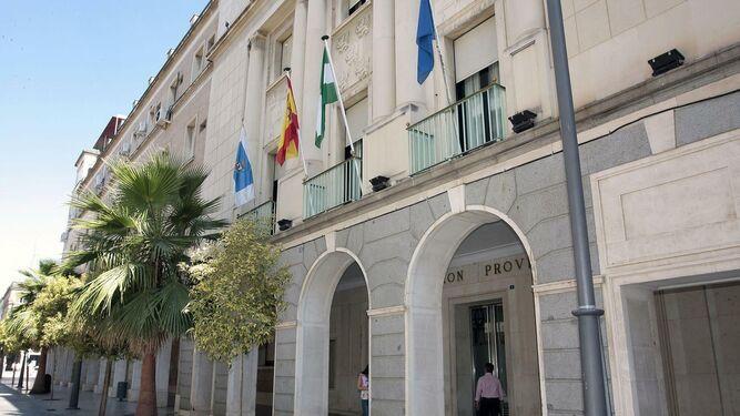 La nueva gestora sanchista en Huelva se estrena con una dimisión por caciquismo de un diputado