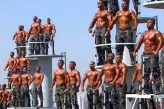 """La extravagante y equívoca graduación de la Policía en Egipto: """"Parece la cabalgata del Orgullo Gay"""""""