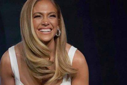 El día que a Jennifer López se le abrió el vestido por debajo en TV