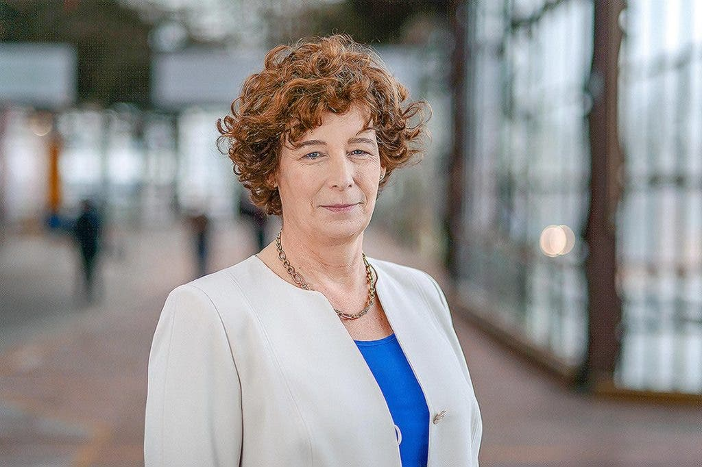 Conoce a Petra de Sutter, la primera ministra transgénero en Europa