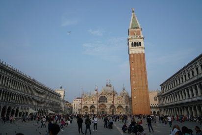 Venecia: La plaza de San Marcos está seca con marea alta por primera vez en su historia