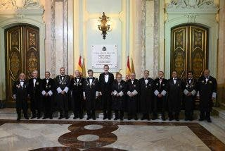 El manifiesto de jueces y fiscales para quitarse las cadenas y mordazas del PSOE-Podemos