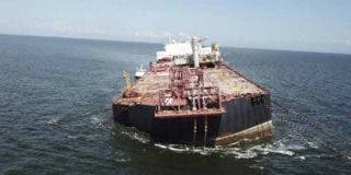 Terrorismo ecológico: Un buque venezolano se hunde en el Caribe con más de un millón de barriles de petróleo