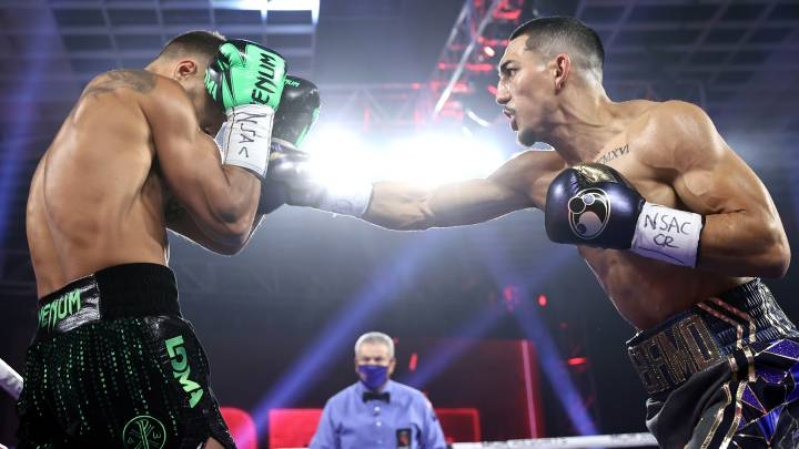 Peso Gallo: El hondureño Teófimo López sorprende a Vasiliy Lomachenko en la pelea del año