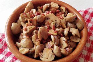 Champiñones al ajillo con jamón serrano: La receta y sus beneficios para la salud