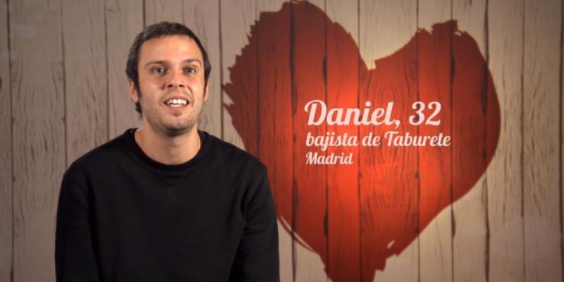 El fracaso televisado del bajista de 'Taburete' buscando el amor en 'First Dates' precipita las carcajadas de Willy Bárcenas