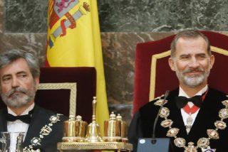 El Rey Felipe VI se encara con el Gobierno PSOE-Podemos por amenazar con reactivar el asalto al CGPJ